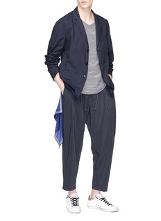 ATTACHMENT Cropped pleated jogging pants
