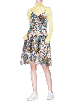 Figure View - Click To Enlarge - Jonathan Liang - Floral embroidered dress