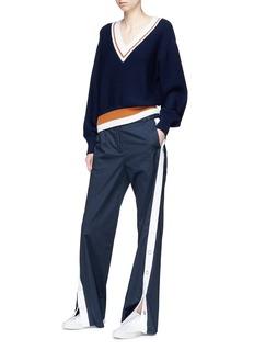 Comme Moi Stripe hem V-neck wool sweater