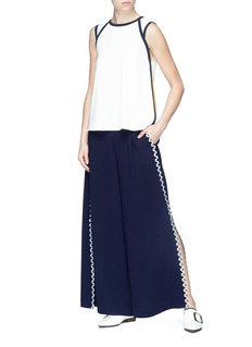 Comme Moi Tie keyhole back contrast seam crepe sleeveless top
