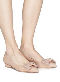 SALVATORE FERRAGAMO Talla花形粗跟牡丹花造型小羊皮平底鞋