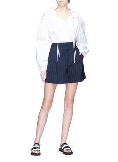 3.1 PHILLIP LIM 条纹初剪羊毛西服短裤