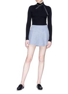 Shushu/Tong Pleated panel gingham check shorts