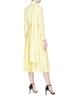 MATÉRIEL by Aleksandre Akhalkatsishvili Round buckle sash neck pleated dress