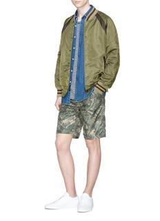HUNTING WORLD Luggage camouflage print shorts