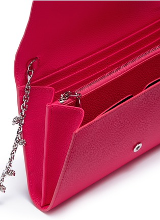 Detail View - Click To Enlarge - Alexander McQueen - Skull charm chain leather crossbody bag