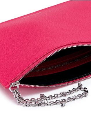 Detail View - Click To Enlarge - Alexander McQueen - Skull charm chain leather pouch