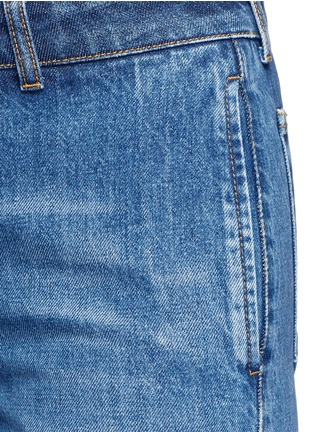 Detail View - Click To Enlarge - Alexander McQueen - Contrast wash flared denim pants