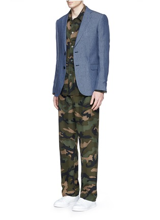 Figure View - Click To Enlarge - Valentino - Camouflage silk pyjama set