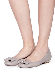 SALVATORE FERRAGAMO Capua花形粗跟蝴蝶结芭蕾平底鞋