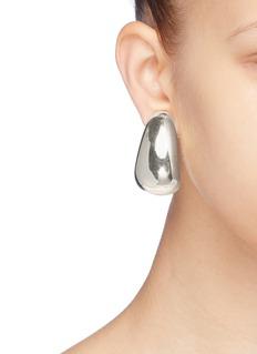 KENNETH JAY LANE 镀银金属夹耳式耳环