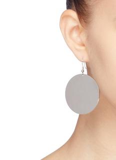 KENNETH JAY LANE 不对称设计菱形及圆形镀银耳环
