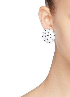 KENNETH JAY LANE 不对称设计波点夹耳式耳环