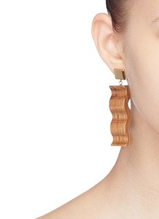 Sophie Monet 'The Short Ripple' drop earrings