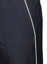 Side piping jogging pants