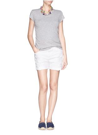 模特儿示范图 - 点击放大 - CURRENT/ELLIOTT - 混棉破洞牛仔短裤