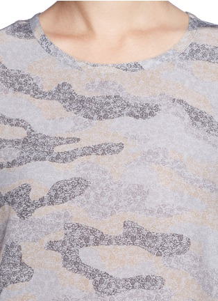 Detail View - Click To Enlarge - Equipment - 'Riley' lace print camouflage T-shirt