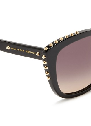 细节 - 点击放大 - ALEXANDER MCQUEEN - Stud cat eye acetate sunglasses