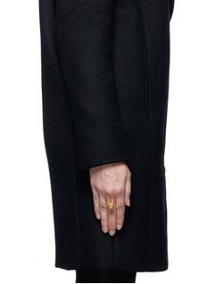 ALEXANDER MCQUEENCrystal punk skull ring