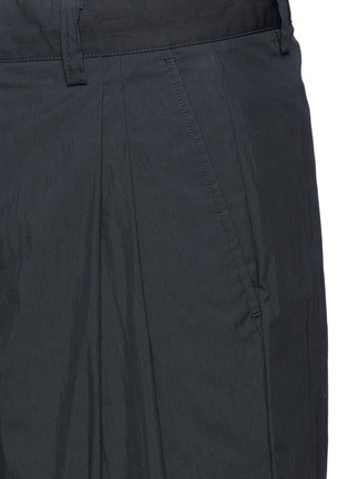 Detail View - Click To Enlarge - Alexander Wang  - Double pleated front shorts