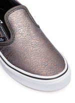 'Classic' metallic cracked leather kids slip-ons