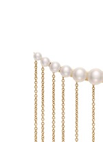 x sacai 002 long chain fringe pearl single creeper earring