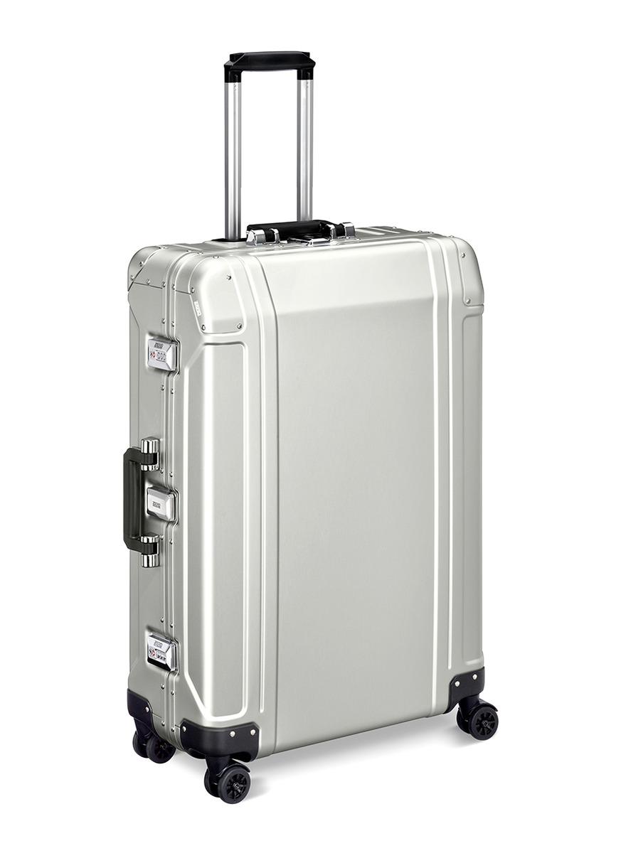 Geo Aluminium 2.0 28″ 4-wheel spinner suitcase by ZERO Halliburton