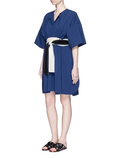 CÉDRIC CHARLIER Waist sash kimono sleeve linen-cotton dress