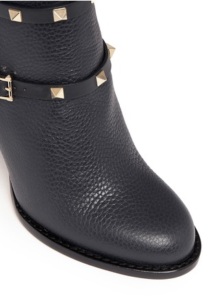 Detail View - Click To Enlarge - Valentino - 'Rockstud' harness pebble leather ankle boots