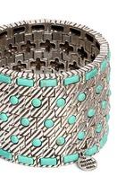 'Aomi' engraved stripe stone elastic bracelet