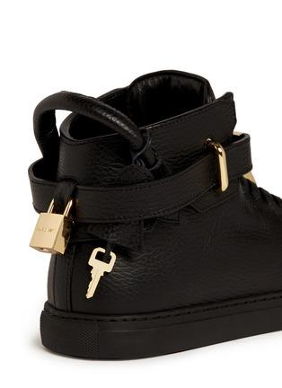细节 - 点击放大 - Buscemi Shoes - 100mm锁扣真皮中筒球鞋