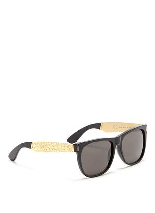 模特儿示范图 - 点击放大 - SUPER - 鳄鱼纹金属拼接太阳眼镜
