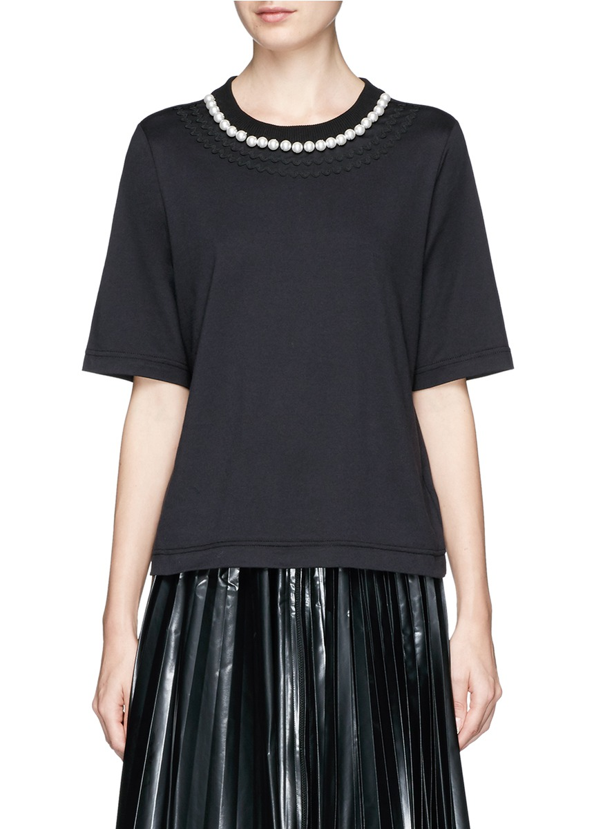 Faux pearl collar T-shirt by Muveil