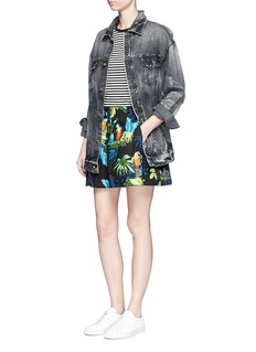 Marc Jacobs 'Paradise' parrot print cotton poplin shorts