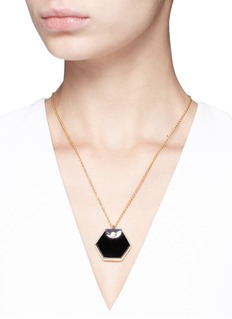 W.Britt 'Hexagon' 18k gold onyx pendant necklace