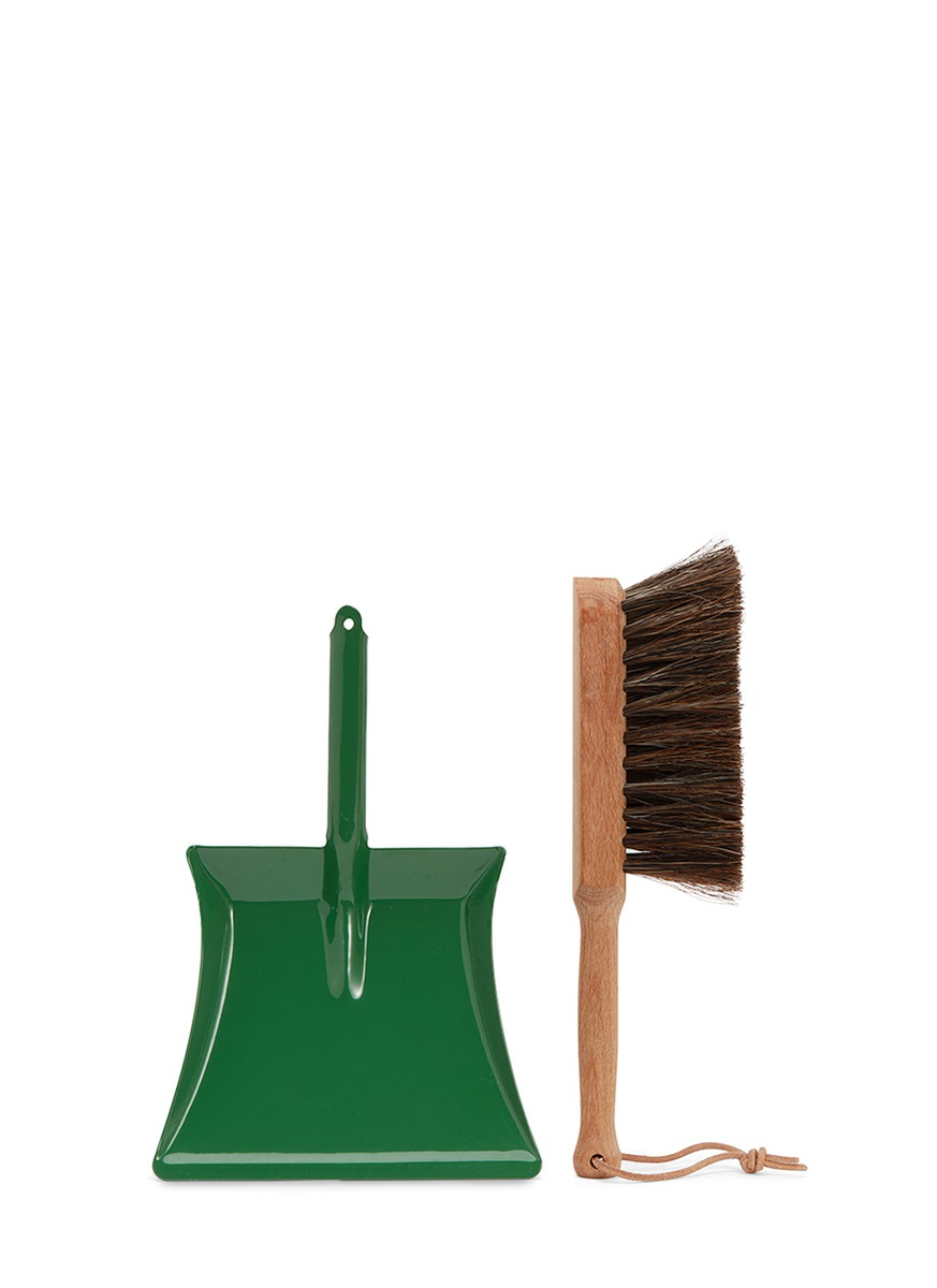 Redecker kids dustpan & brush set by get.give