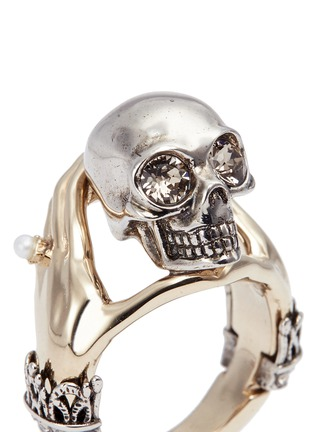 Detail View - Click To Enlarge - Alexander McQueen - Hand and skull ring