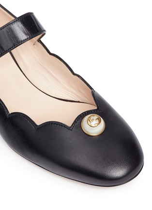Detail View - Click To Enlarge - Gucci - Logo pearl scalloped leather Mary Jane flats