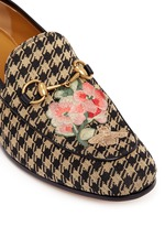 Floral bee embroidery houndstooth moccasins