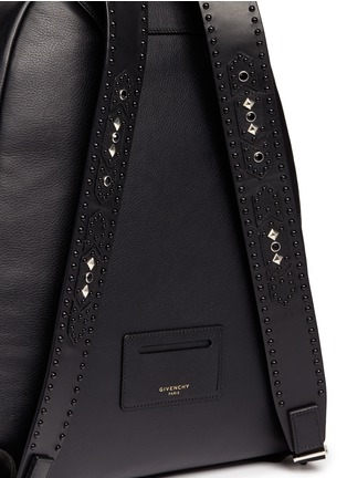 Detail View - Click To Enlarge - Givenchy - 'Ci' stud leather backpack