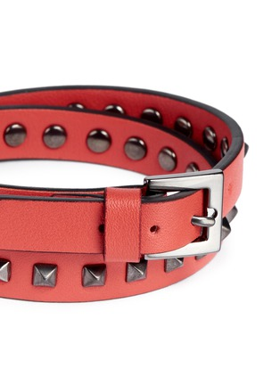 Detail View - Click To Enlarge - Valentino - 'Mini Rockstud' double wrap leather bracelet