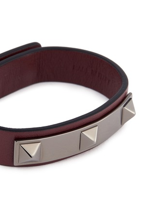 Detail View - Click To Enlarge - Valentino - 'Rockstud' metal bar leather bracelet