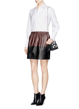 模特儿示范图 - 点击放大 - Vince - Colourblock leather skirt