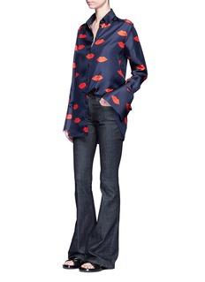 VICTORIA, VICTORIA BECKHAMScattered lip print silk twill shirt