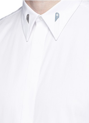 Detail View - Click To Enlarge - Givenchy - Star engraved collar bone poplin shirt