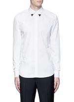 Metal collar tip cotton shirt