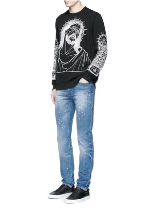 Figure View - Click To Enlarge - Givenchy Beauty - Back strap distressed jeans