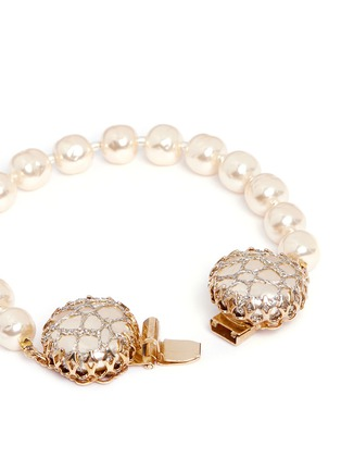 Detail View - Click To Enlarge - Miriam Haskell - Caged Baroque glass pearl bracelet