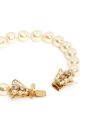 Detail View - Click To Enlarge - Miriam Haskell - Baroque glass pearl crystal bow bracelet