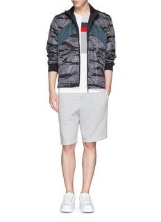 MONCLER 迷彩纯色两面穿尼龙外套
